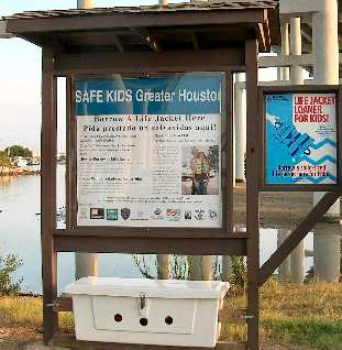 Launch Your Boat Not Your Trash - Keep The Bay Clean -  Please Put Trash in Cans
