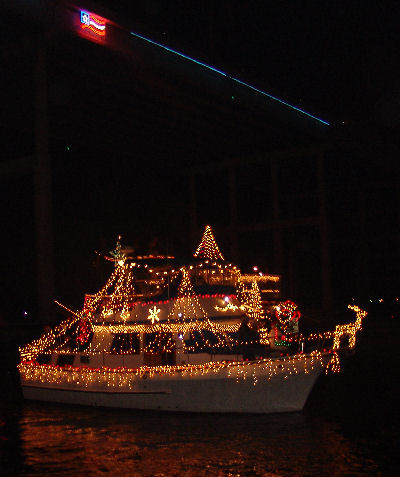 Christmas Boat Lane Parade Floats by Kemah TX and the Kemah Boardwalk DEC 11, 2010 @ 6:30pm