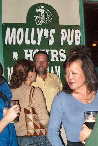 "Molly's Pub ""I bet you say that to all the lasses!"""